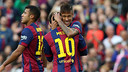 Messi et Neymar se félicitent / MIGUEL RUIZ-FCB