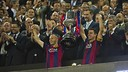 Xavi and Iniesta have the distinguished honour of lifting the 2014/15 Copa del Rey. / MIGUEL RUIZ - FCB