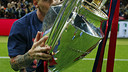 Leo Messi amb la seva quarta Champions / MIGUEL RUIZ-FCB