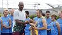Kobe salue Iniesta et le reste de l'équipe au Stub Hub Center / MIGUEL RUIZ-FCB
