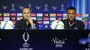 Iniesta and Alves in Tbilisi / MIGUEL RUIZ-FCB