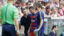 Dani Alves coming off the field / MIGUEL RUIZ-FCB