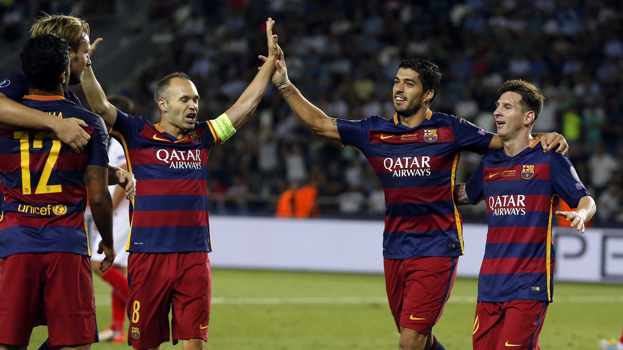 The players celebrating a goal in the final of the European Super Cup / MIGUEL RUIZ - FCB
