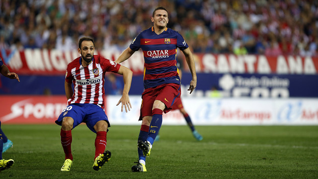 Thomas Vermaelen victime d'une blessure musculaire au Vicente Calderón / MIGUEL RUIZ - FCB