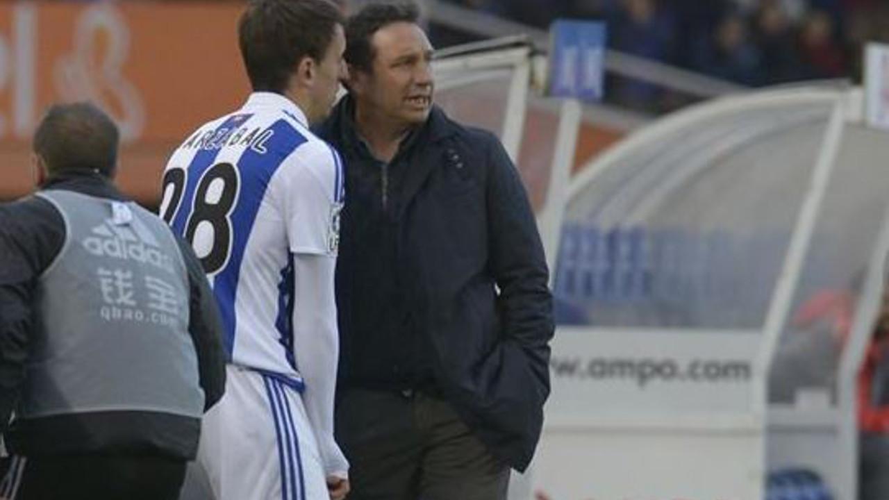 Eusebio Sacristán in his first game as Real Sociedad coach against Sevilla / realsociedad.com