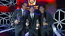 Bravo, Messi y Neymar Jr con los respectivos galardones / MIGUEL RUIZ-FCB