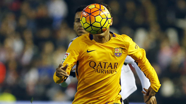 Neymar in action at Mestalla / MIGUEL RUIZ - FCB