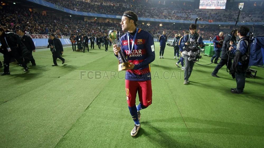 گزارش تصویری: تصاویر فشرده نیمار در جشن قهرمانی بارسلونا