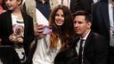 Leo Messi fait un selfie avec une fan lors du gala des Globe Soccer Awardsd / MIGUEL RUIZ - FCB