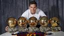 Leo Messi et ses cinq Ballons d'Or / MIGUEL RUIZ - FCB