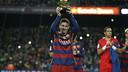 Messi soulève son cinquième Ballon d'Or au Camp Nou / MIGUEL RUIZ - FCB