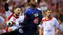Sorhaindo uno de los puntales de la selección francesa / FOTO: Uros Hocevar-EHF