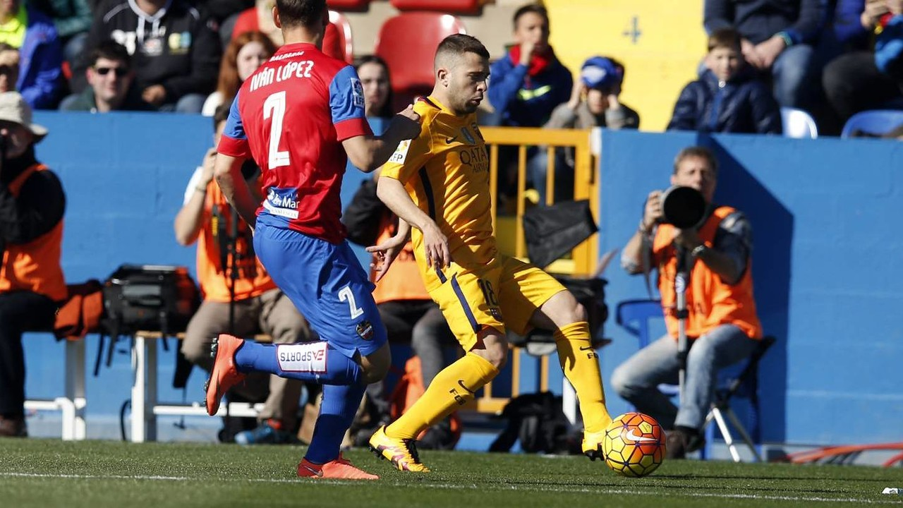 Jordi Alba's cross led to the own goal that got Barça off the mark on Sunday / MIGUEL RUIZ-FCB