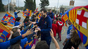 Ribas, with the kids from Sant Joan Bosco / VICTOR SALGADO - FCB