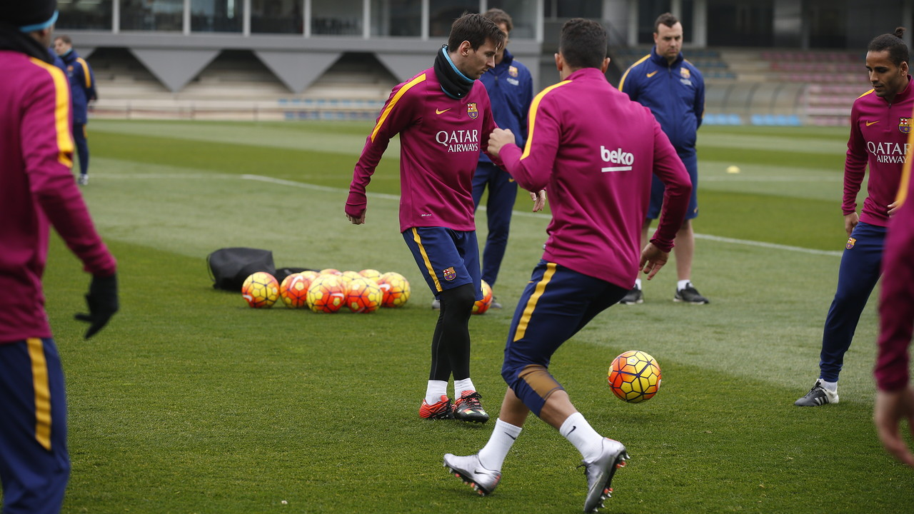Leo Messi s'ha reincorporat als entrenaments / MIGUEL RUIZ - FCB
