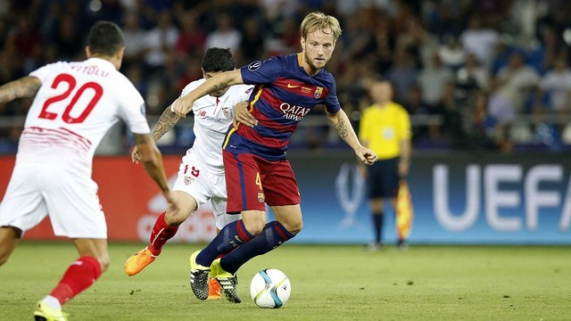 Barça's Ivan Rakitic faced his old team, Sevilla, in the 2015 UEFA Super Cup in Tbilisi, Georgia. / MIGUEL RUIZ - FCB