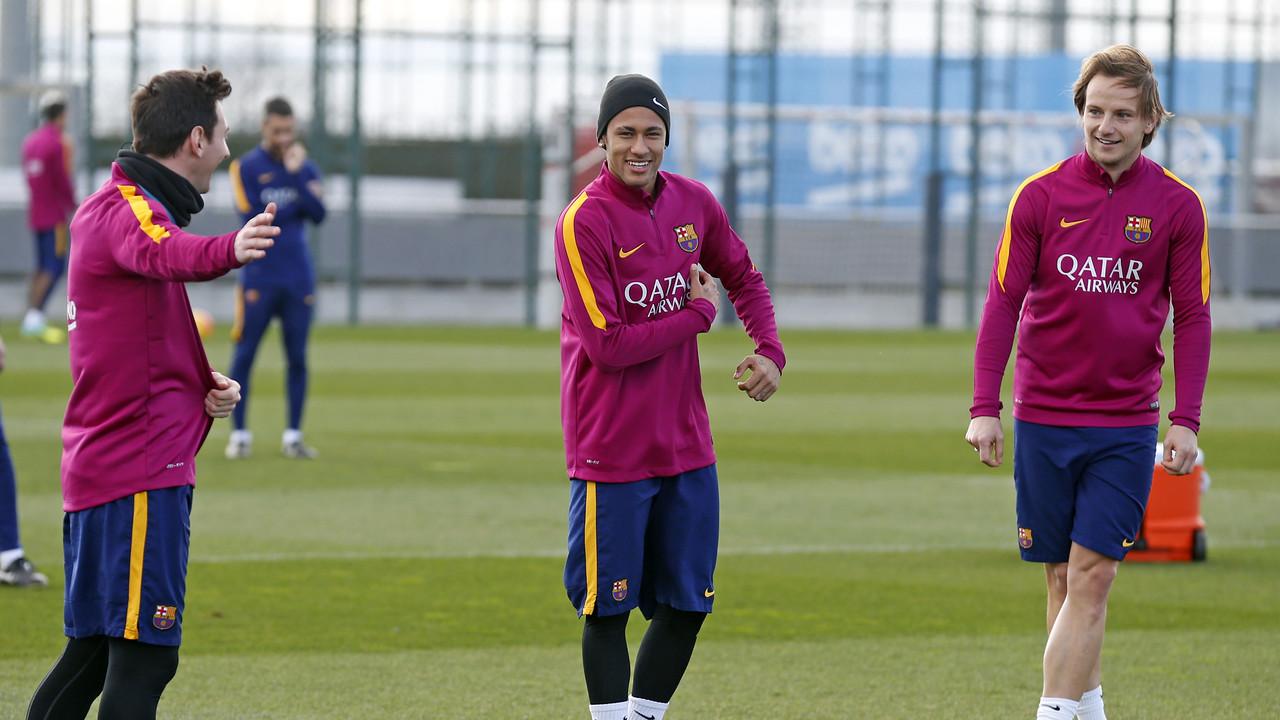 Messi, Neymar i Rakitic a l'entrenament d'aquest dissabte / MIGUEL RUIZ - FCB