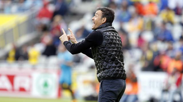 Luis Enrique on the sidelines against Las Palmas / MIGUEL RUIZ - FCB