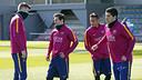 Piqué, Messi, Neymar Jr et Suárez pendant l'entrainement / MIGUEL RUIZ - FCB