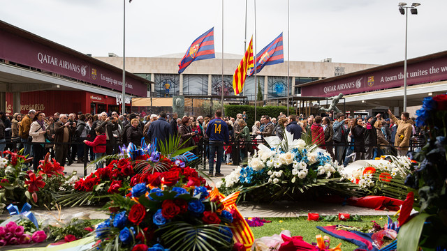 View from the Johan Cruyff Memorial out onto the esplanade at Camp Nou. / GERMAN PARGA- FCB