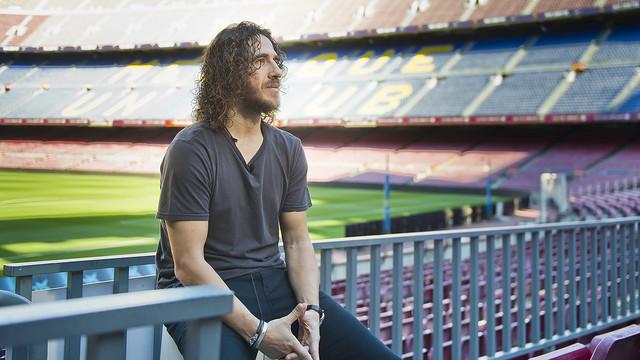 Carles Puyol durante la entrevista en el Camp Nou / FCB