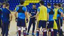 Ricard Muñoz, dando instrucciones durante un entrenamiento. FOTO: V. SALGADO - FCB
