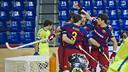 Marc Gual y Pablo Álvarez - protagonistas del partido - celebrando uno de los seis goles marcados al Igualada / VICTOR SALGADO - FCB