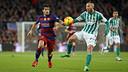 Luis Suárez scored two second-half goals to help Barça beat Betis at Camp Nou back in December. / MIGUEL RUIZ - FCB