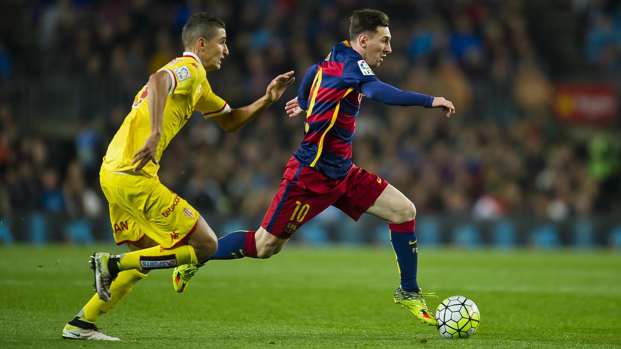 Messi saat menghadapi Sporting Gijón / VICTOR SALGADO - FCB