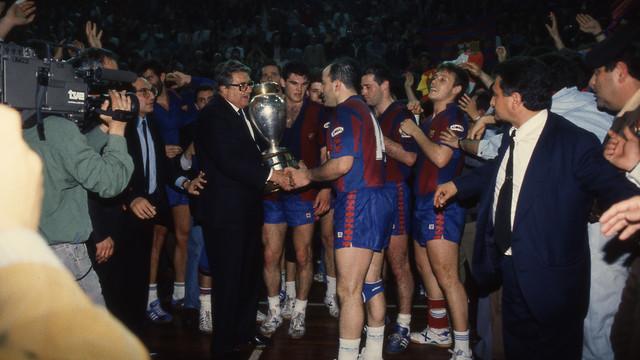 Sagalés con la primera Copa de Europa del Barça de balonmano / FOTO:ARCHIVO-SPORT
