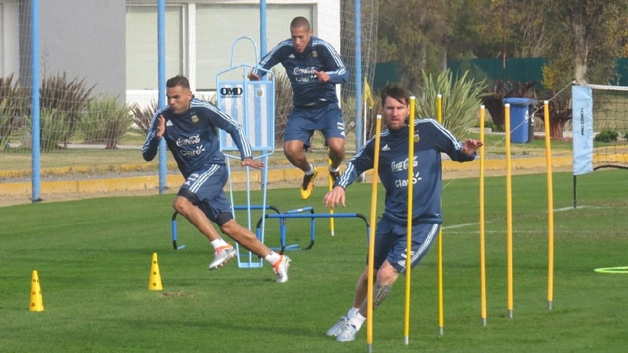 Leo Messi durante el entrenamiento con la selección Argentina / AFA