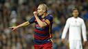 Andrés Iniesta celebra su gol en la goleada por 0-4 en el Santiago Bernabéu / MIGUEL RUIZ - FCB