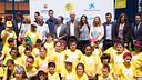 Sergio Busquets y Jordi Cardoner han inaugurado el 'Cruyff Court' en la población natal del jugador / GERMÁN PARGA - FCB